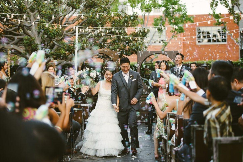 So sánh giá quay phim cưới truyền thống tại lamphim.vn